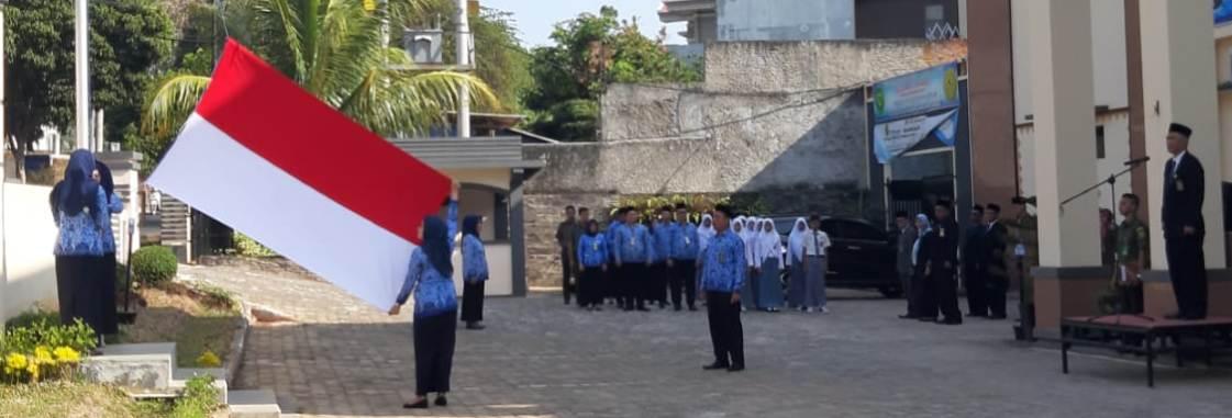 Upacara Bendera Memperingati Hari Pahlawan